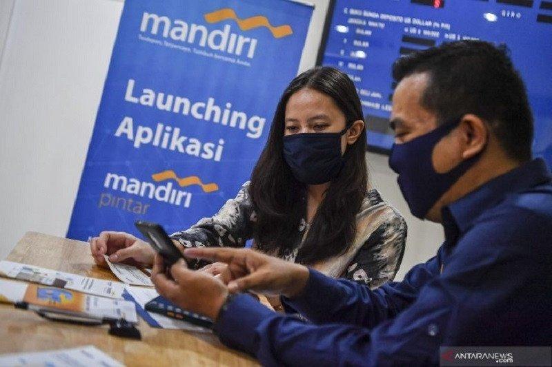 Bank Mandiri tampilkan kartu pembayaran tanpa kontak fisik