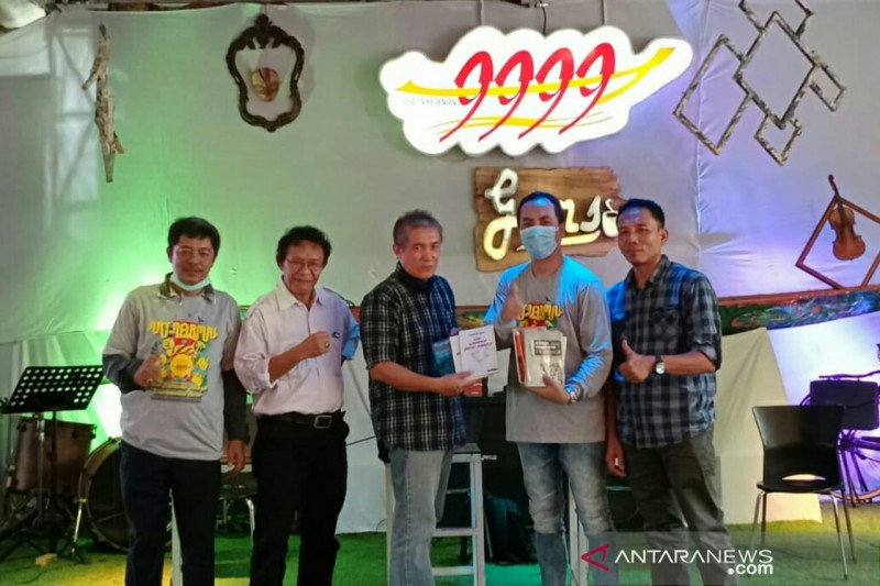 Pandemi COVID-19 tidak  halangi sastrawan di Palembang berkarya