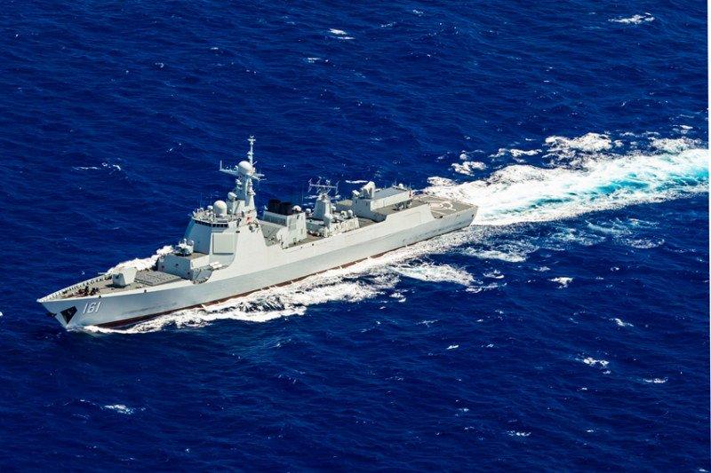 Militer China memantau pergerakan kapal perang AS di Selat Taiwan