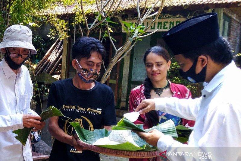 Tumpeng Festival Lima Gunung XIX simbol tangguh hadapi pandemi