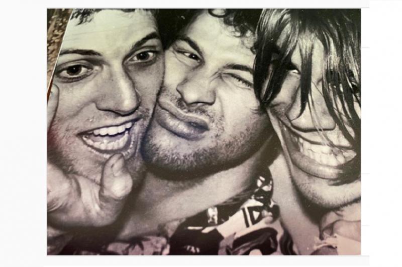 Kabar duka, gitaris Red Hot Chili Peppers Jack Sherman meninggal dunia