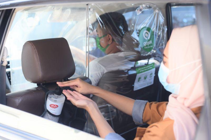 Gojek sediakan hand sanitizer Lifebuoy di puluhan ribu GoCar