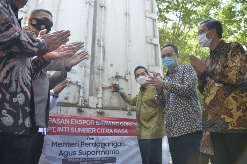 Mendag lepas ekspor perdana 20 ton bawang merah goreng ke Malaysia