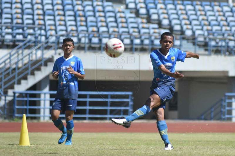 Persib Bandung siapkan sejumlah opsi susunan pemain inti liga 1