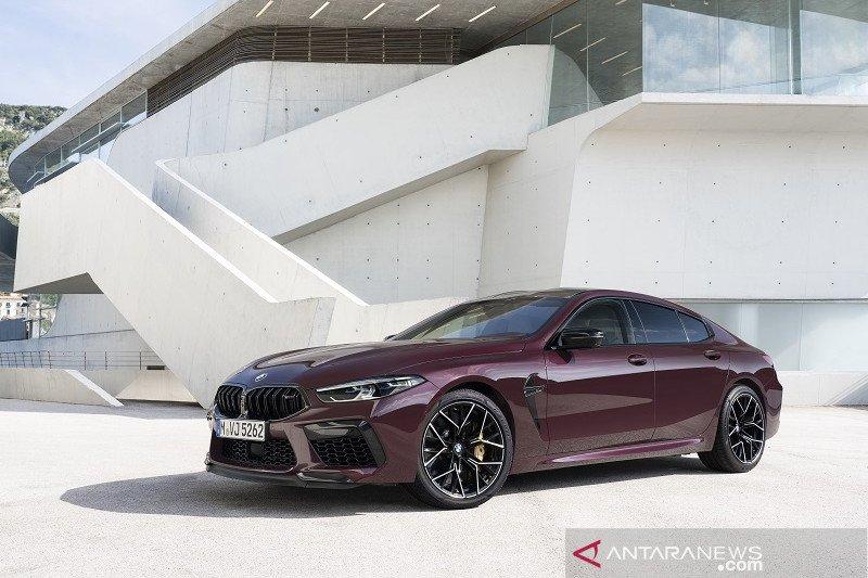Harga BMW M8 2020 meluncur dengan harga Rp6,7 miliar