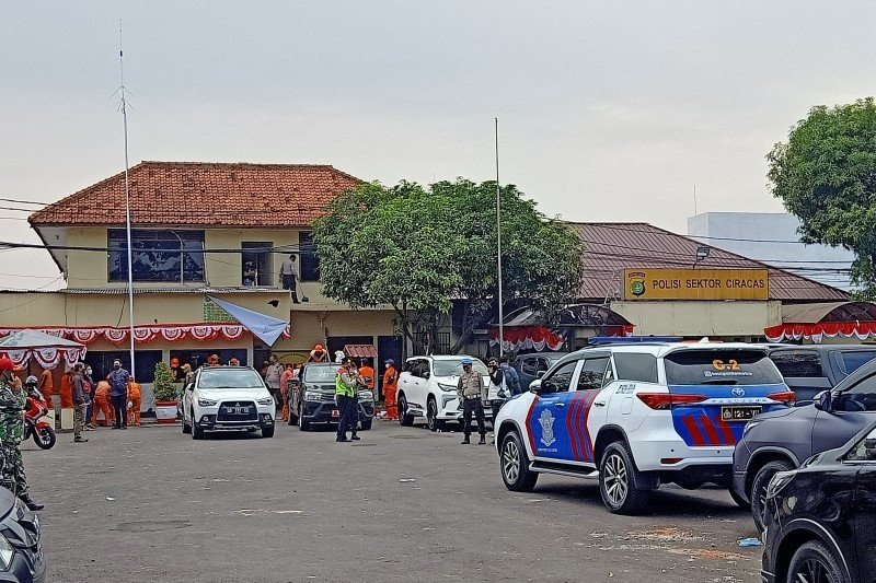 Perusak Mapolsek Ciracas ditindak tegas sesuai  hukum TNI