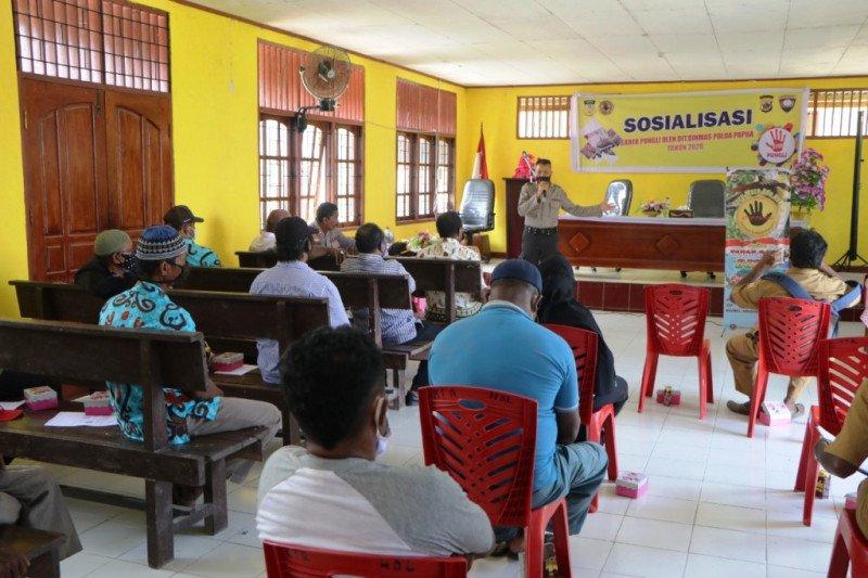 Satgas Saber Pungli Polda Papua ajak warga Holtekamp awasi dana kampung