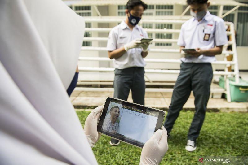 Kemendikbud catat 27,3 juta orang terdaftar untuk bantuan internet gratis
