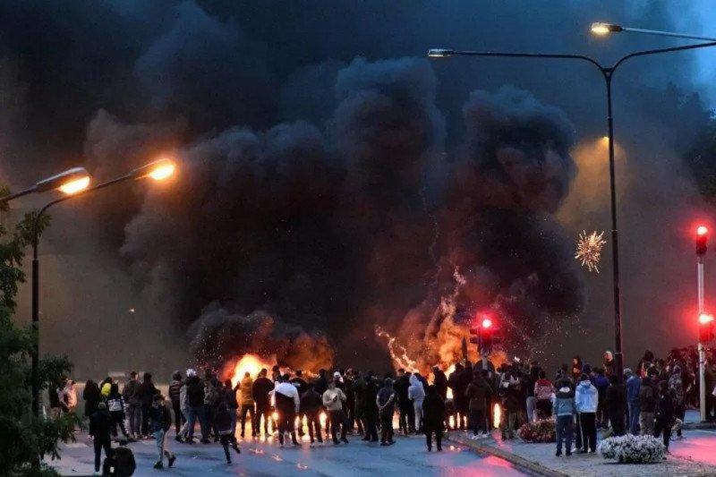 Kerusuhan pecah di Swedia usai pembakaran Al Quran