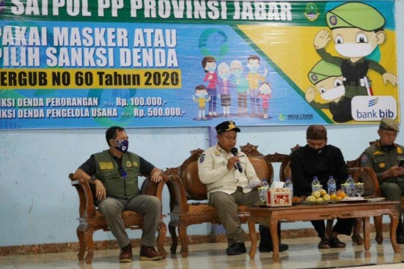 Jawa Barat optimalkan sosialisasi sanksi protokol kesehatan di desa