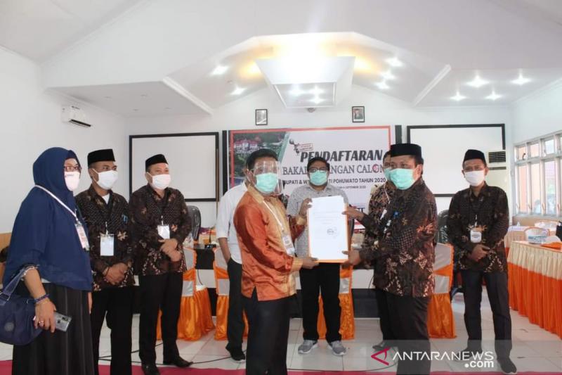 Dua Bakal Paslon Perseorangan Resmi Mendaftar Pilkada Pohuwato Antara News Gorontalo