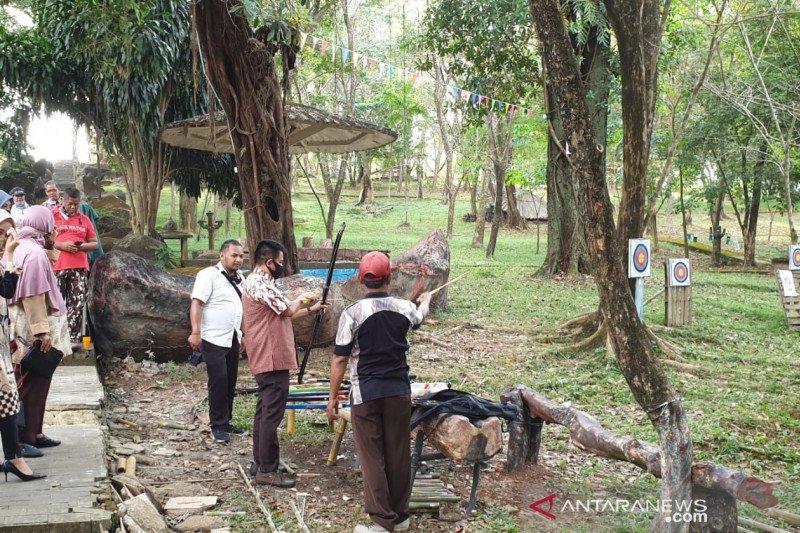 Dinas Pariwisata Palembang ajak  pegiat sastra ramaikan Bukit Siguntang