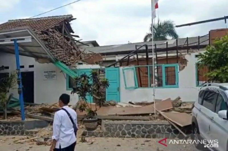 Gedung BNN Sukabumi ambruk, lima pegawai terluka