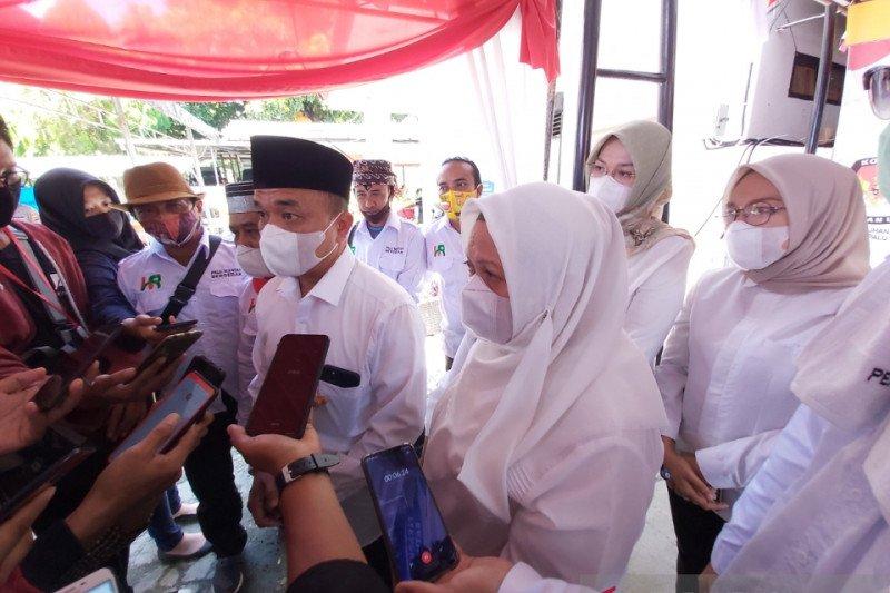 Dua bakal pasangan calon wali kota Palu  mendaftar ke KPU