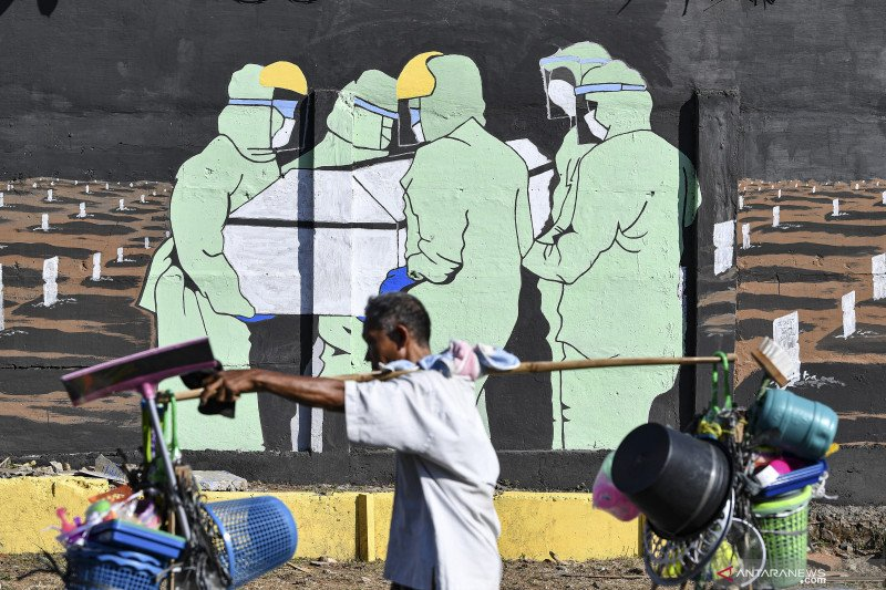 Hari pertama PSBB,  kasus baru COVID-19 Jakarta masih lebih 1.000
