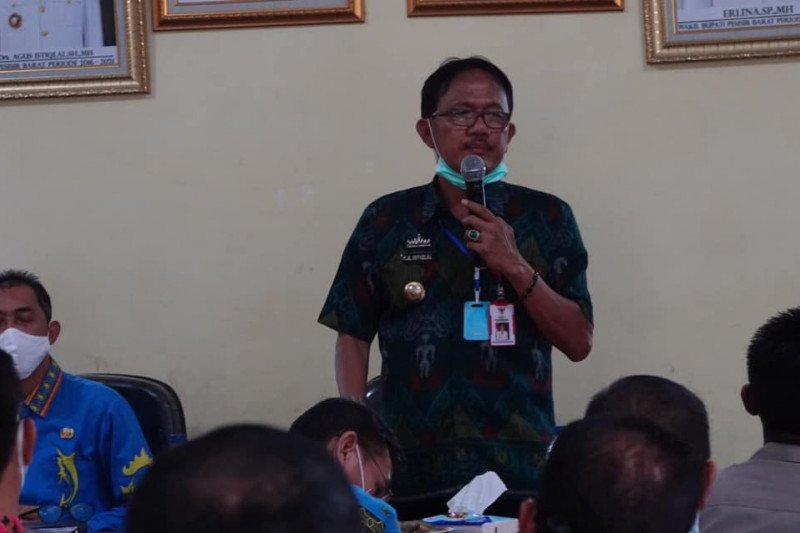 Bupati Pesisir Barat ingatkan jamaah Shalat Tarawih patuhi prokes