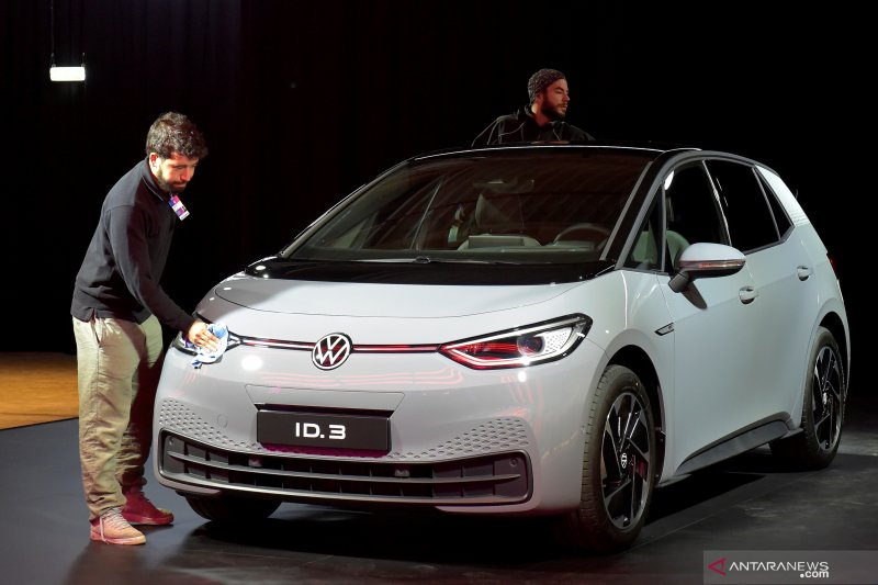 VW ambisius langkahi Tesla