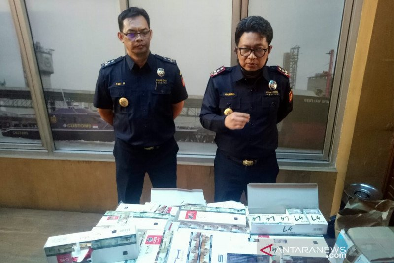 Bea cukai Palembang ungkap modus baru  penjualan rokok ilegal
