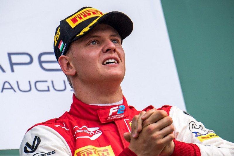 Schumacher junior bangga ikuti jejak sang ayah