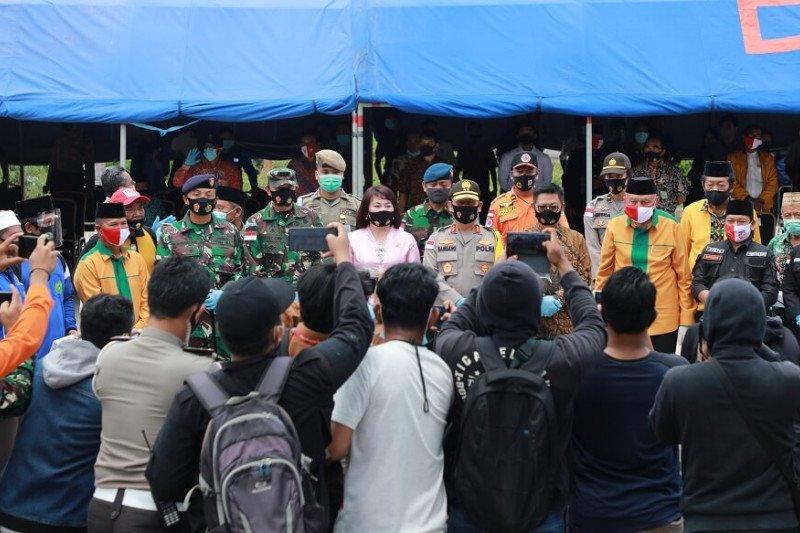 Kampanye Gerakan Masker Serentak di Pasar Induk Tanjung Selor