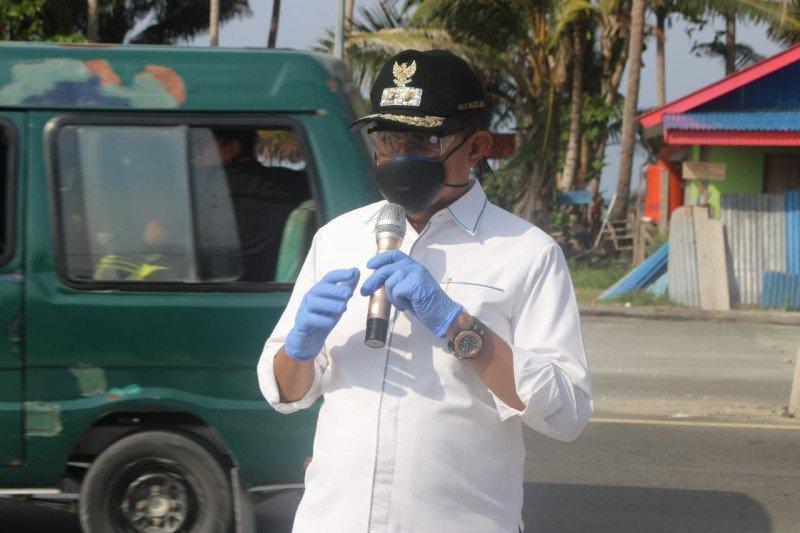 Pengunjung Pantai Hamadi dan Holtekam Jayapura diminta jaga kebersihan
