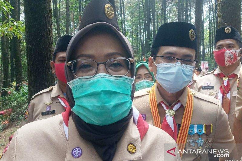 Bupati Bogor sebut stasiun dan terminal sepi hari pertama PSBB total DKI