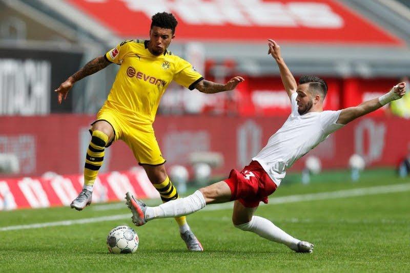Pelatih Dortmund minta MU berhenti kejar Jadon Sancho