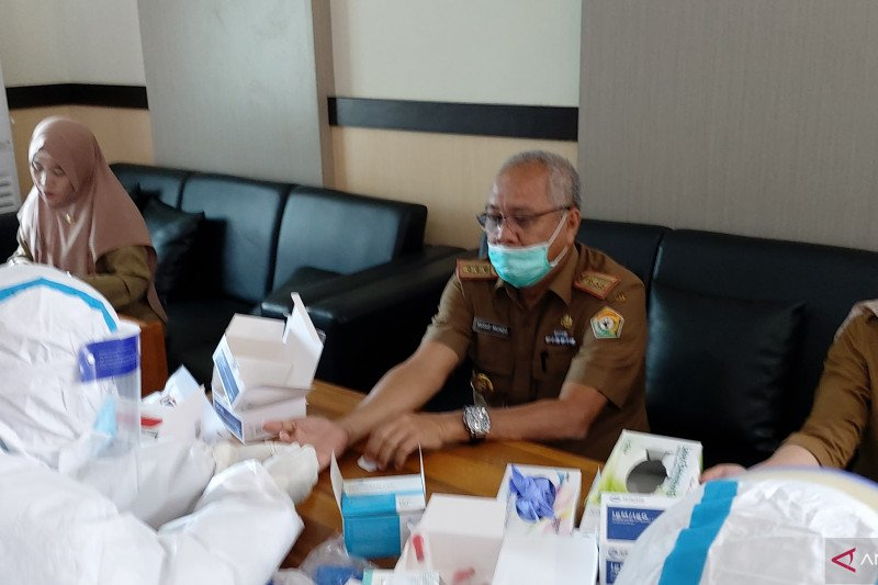 Pegawai Bapenda Sultra nonreaktif COVID-19, Yusuf tetap komitmen taat Prokes