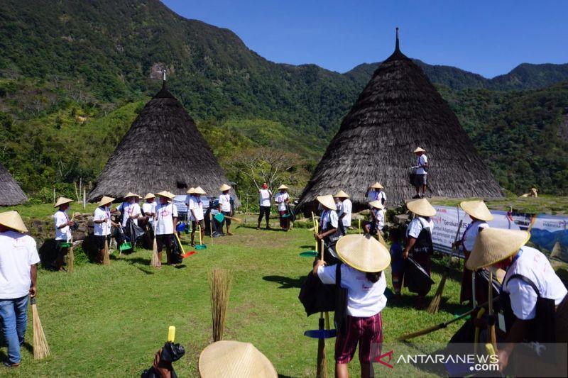 BOPLBF ajak masyarakat desa wisata Wae Rebo lakukan Gerakan BISA