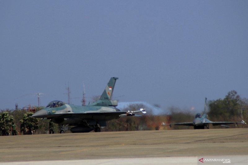 Dua jet tempur F-16 TNI AU patroli perbatasan Indonesia-Timor Leste-Australia