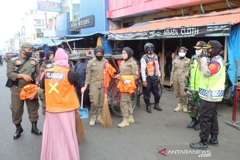 Warga Sukabumi abaikan protokol kesehatan dikenakan sanksi