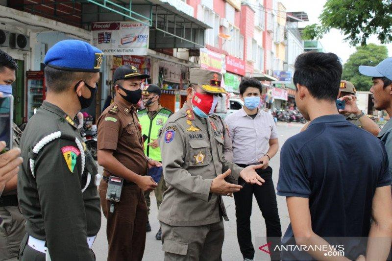 Puluhan warga Batam terjaring razia protokol kesehatan