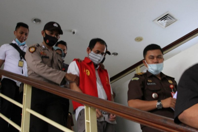 Kabag Hukum  Setda Batam  ditahan karena  gratifikasi