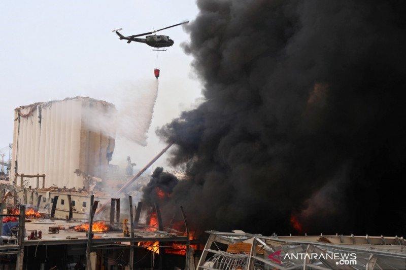 Kebakaran hanguskan sebuah bangunan bersejarah di kawasan bisnis Beirut