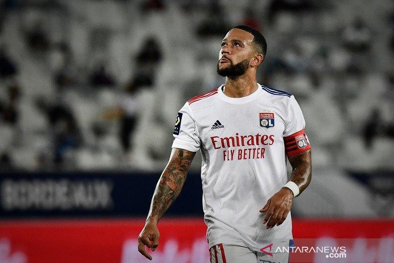 Ini tanggapan Presiden Lyon soal rumor transfer Depay ke Barca
