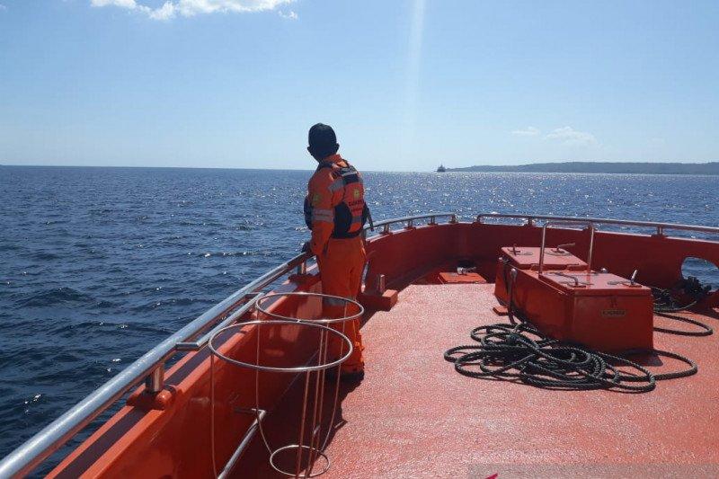 Basarnas melanjutkan pencarian empat korban kapal terbakar