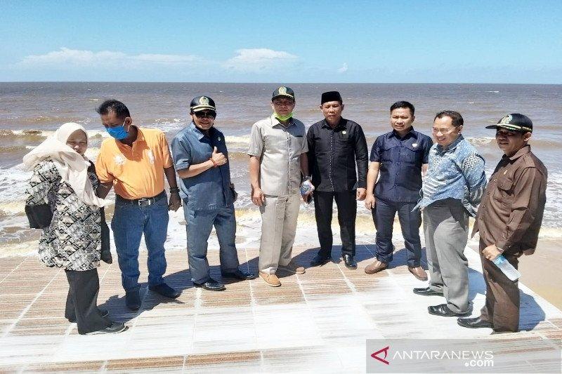 Progres pembenahan Pantai Ujung Pandaran jadi sorotan legislator