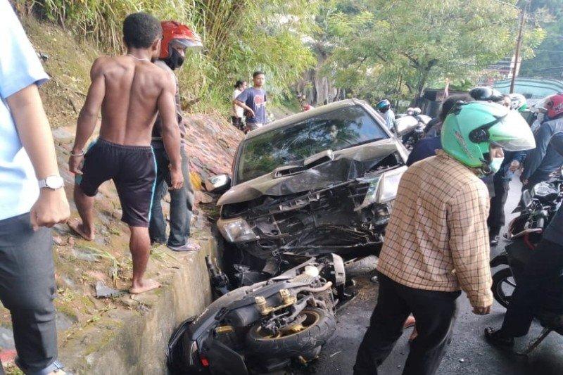 Nahas, seorang polwan tewas usai ditabrak minibus saat hendak ke kantor