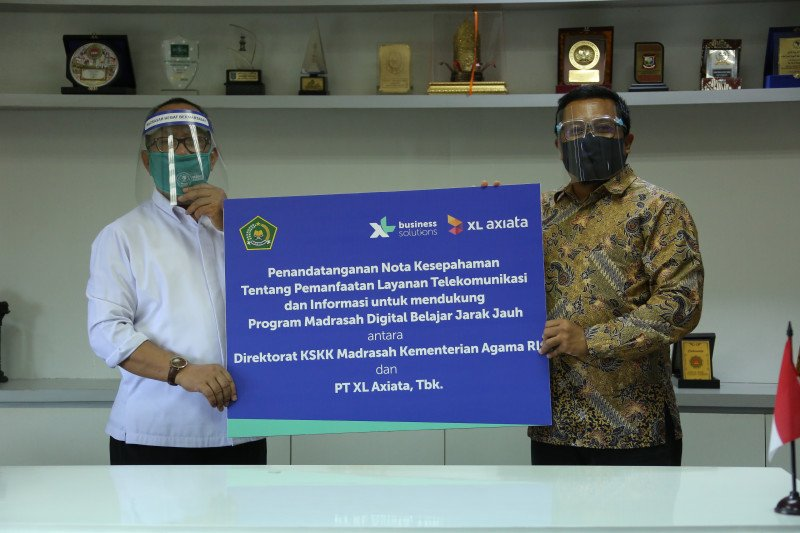 XL Axiata - Kementerian Agama kerja sama bantu pelajar madrasah