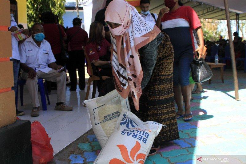 Pemkot Kupang salurkan bansos beras untuk 11.351 KPM