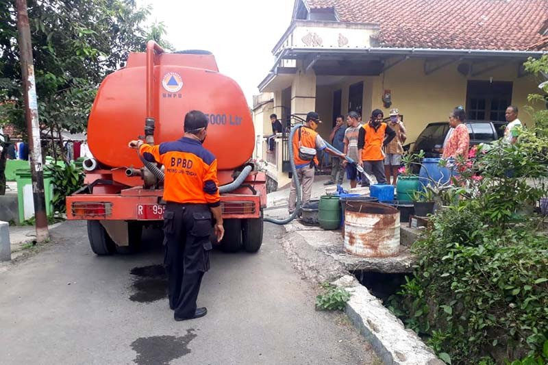 1.419 warga Cilacap terdampak kekeringan