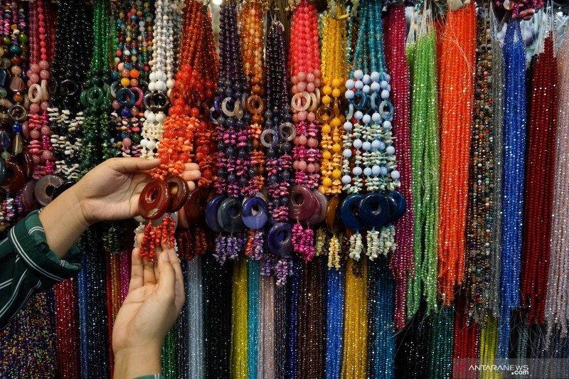 Mendag ajak masyarakat untuk beli produk pernak-pernik buatan Indonesia