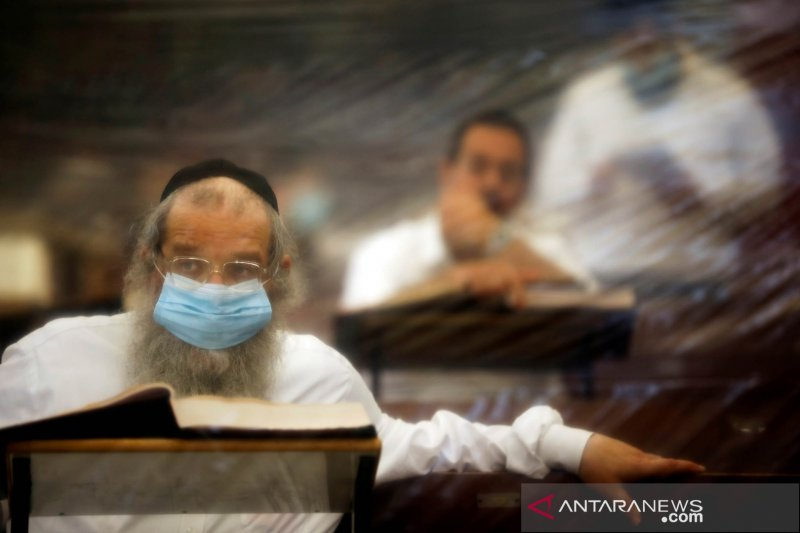 Status darurat COVID-19 di seluruh rumah sakit di Israel