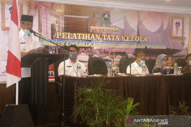 Pemkab Solok beri pelatihan tata kelola rumah wisata pada pengelola homestay
