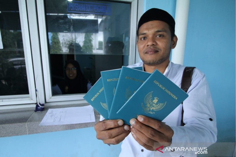 Masa berlaku paspor  selama 10 tahun