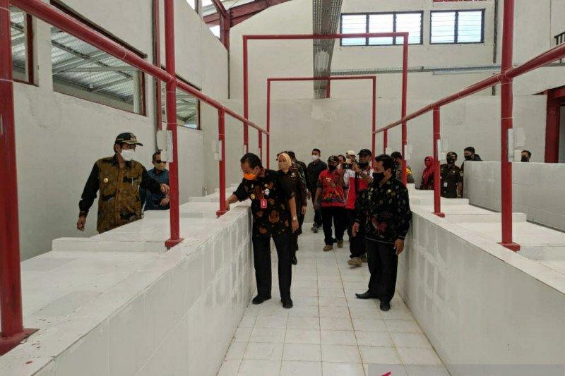 Gubernur Sulteng minta pasar di Banggai menjadi penggerak ekonomi daerah