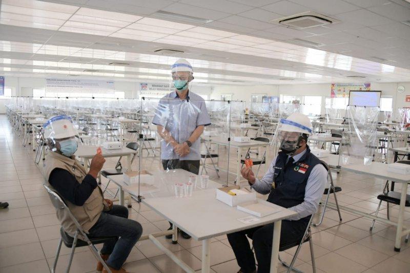 Gubernur Jabar tekankan pentingnya edukasi protokol kesehatan bagi pekerja