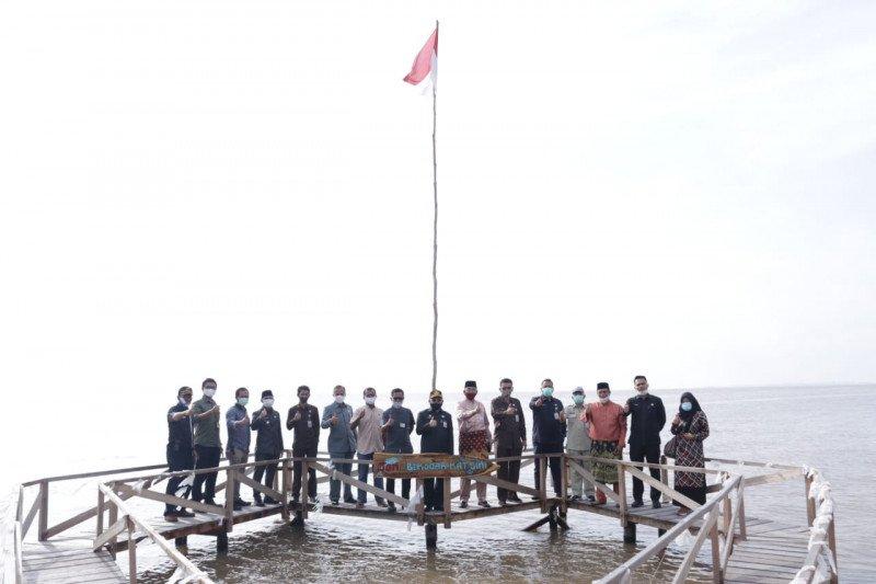 Plh Bupati Bengkalis minta pengembangan wisata mangrove lebih ditingkatkan