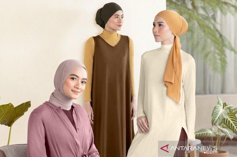 Gaya hijab minimalis nan elegan ala Ayudia C.
