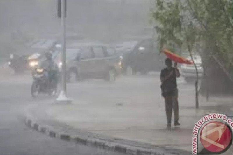 BMKG perkirakan awal musim hujan 2020/2021 di NTT akhir Oktober